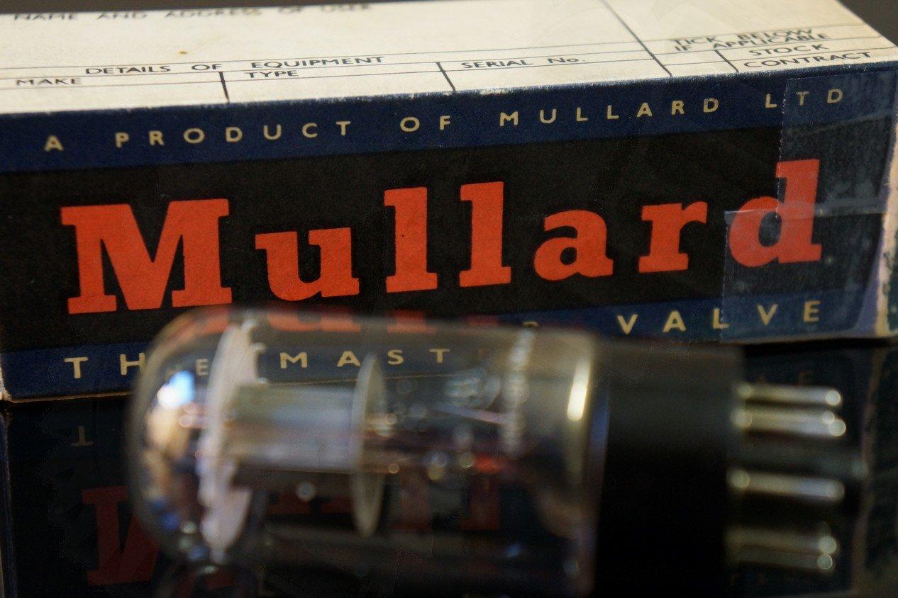 MULLARD ECC33